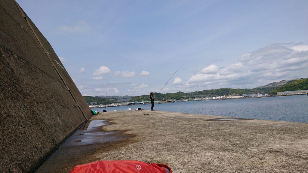 新長崎漁港 沖堤防(内側、白灯台側)
