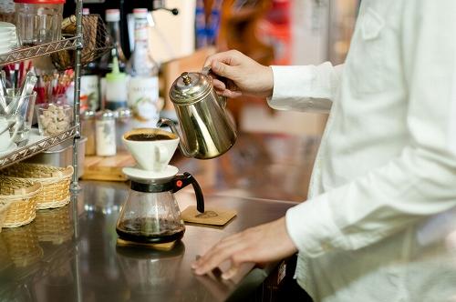 無料でマンガ喫茶と同様の施設を利用できる方法